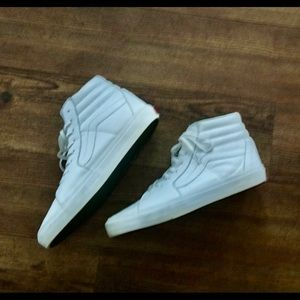 Vans Vault Men's Size 10 White Leather Shies